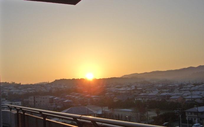 081104hitorigoto_sunrise